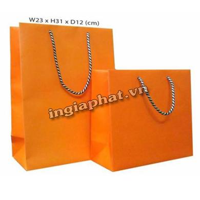 In ofset túi xách giấy 1 màu cán màng bóng C200gsm| ingiaphat.vn